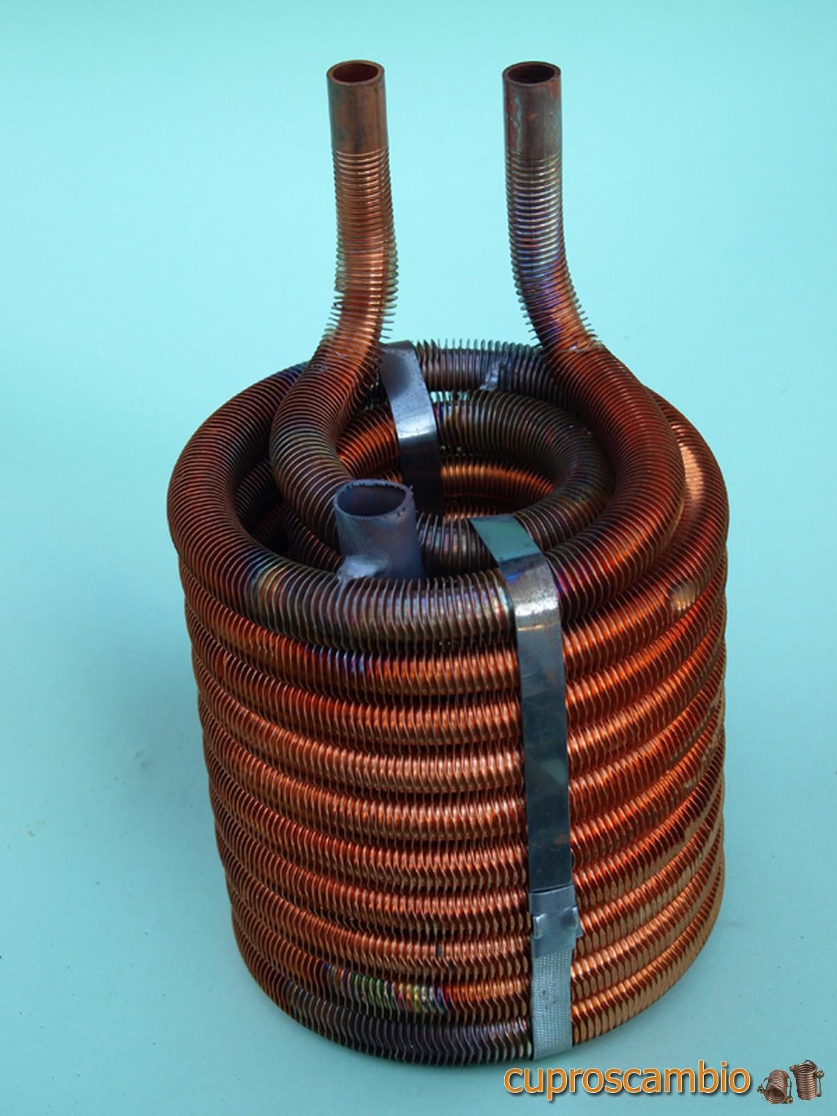Serpentine di rame alettato per la condensazione dei vapori